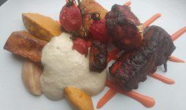 Pop a la brasa amb verdures escalivades, savayón d' albergínia fumada